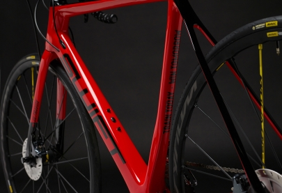 SwiftCarbon Ultravox Ultegra Disc Race Bike