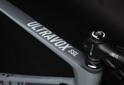 SwiftCarbon Ultravox Dura Ace Di2 Race Bike